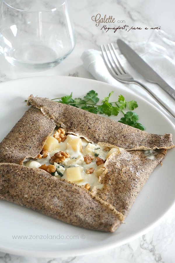 Galette con Roquefort, pere e noci ricetta senza glutine - buckwheat crepes with french cheese, pear and walnuts recipe