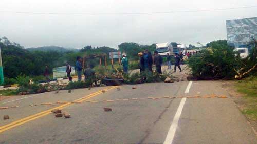 Villa Montes inicia paro indefinido con bloqueo de carreteras