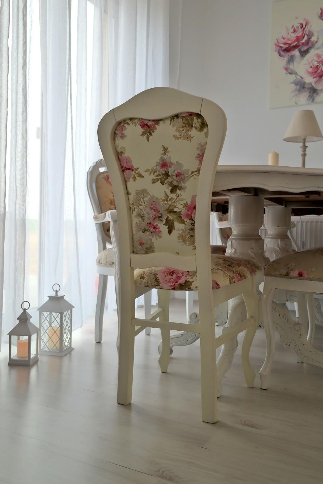stół w stylu ludwikowskim