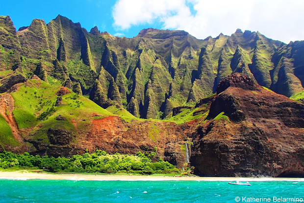 Touring Kauai' Na Pali Coast With Napali Catamaran Travel World