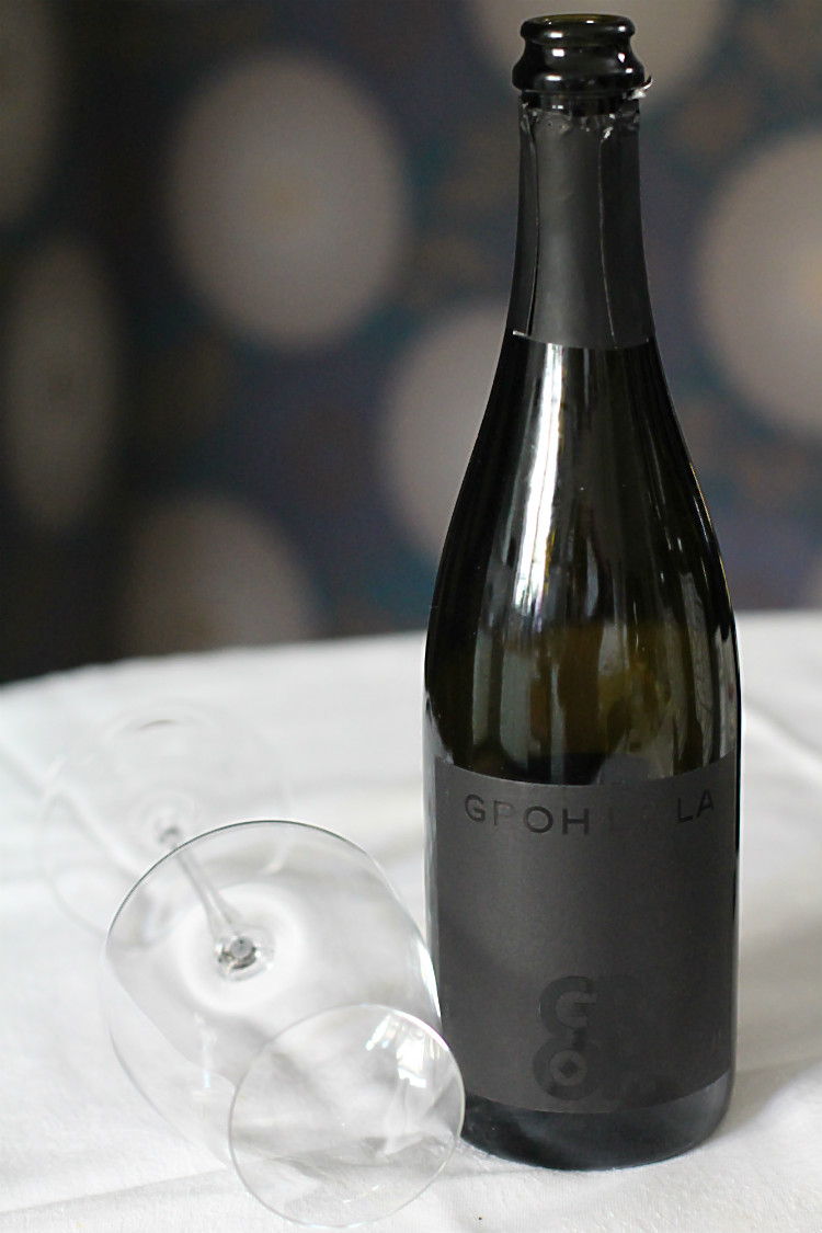 Groh La La Chardonnay-Sekt, Bezugsquelle: Ludwig von Kapff, mit Weinglas Riesling Grand Cru Wine Classic Select Zwiesel 1872 | Arthurs Tochter kocht. Der Blog für Food, Wine, Travel & Love von Astrid Paul