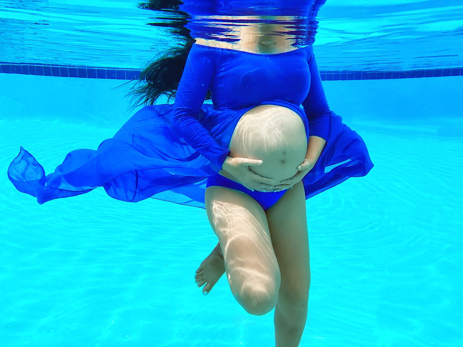 Underwater-Maternity-Photoshoot-Tumblr-Inspired-Vivi-Brizuela