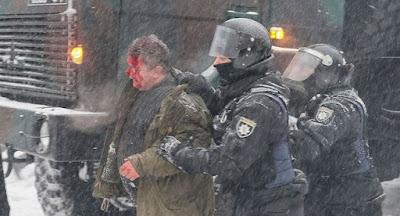 Полиция жестоко разогнала палаточный лагерь под Верховной Радой