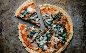 Η συνταγή για πίτσα χωρίς ζύμη που θα σε ξετρελάνει!