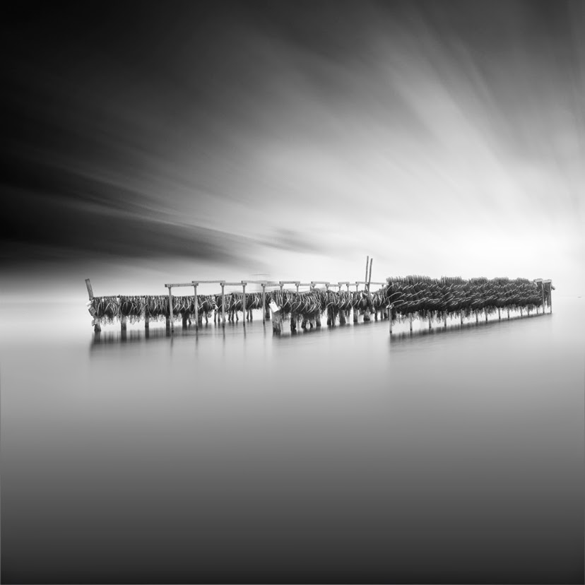 11-Vassilis-Tangoulis-The-Sound-of-Silence-in-Black-and-White-Photographs-www-designstack-co