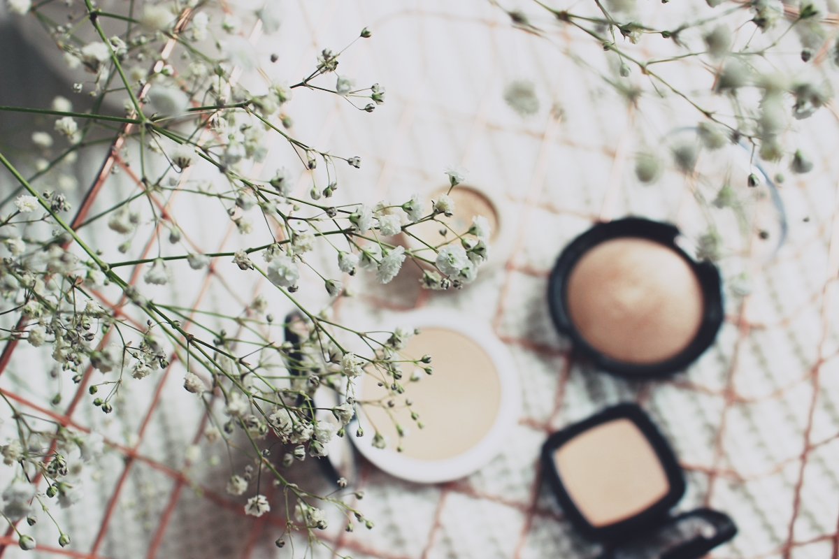 #wiosennik barwy wiosny rozświetlacze jaki rozświetlacz wybrać wiosenny makijaż