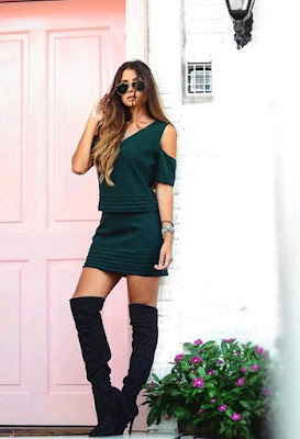 botas negras con vestido