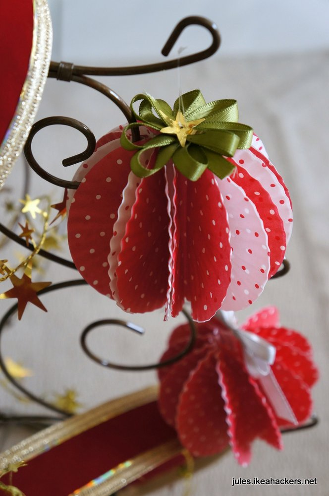 christmas cupcake liner craft ornament jules i made my ornaments from cupcake liners 6046