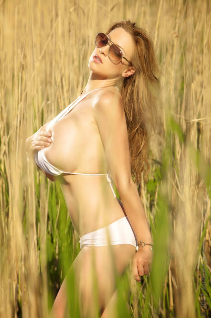 Hottest-Jordan-Carver-Lago-Sexy-Photoshoot-picture-1