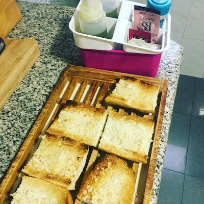 tostadas,  desayuno mediterraneo