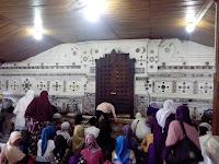 Makam Sunan Gunung Jati: Wisata Religi di Kota Wali Cirebon Dengan Arsitektur Unik