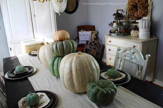Neutral Fall Dining Room Decor