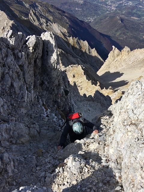 Monte Camicia, cresta ovest, il canalino