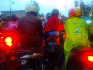 Pulang Kuliah dari Surabaya ke Gresik 8 Jam
