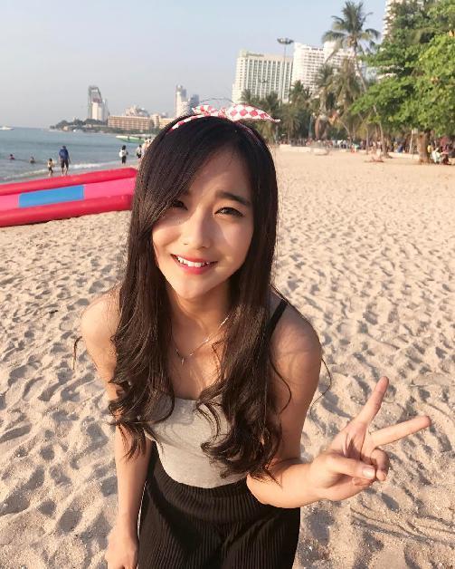 Fakta Della Delila Member JKT48 Harus Anda Ketahui [Artis Indonesia Hot]