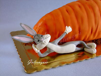 Bugs Bunny modelado en fondant