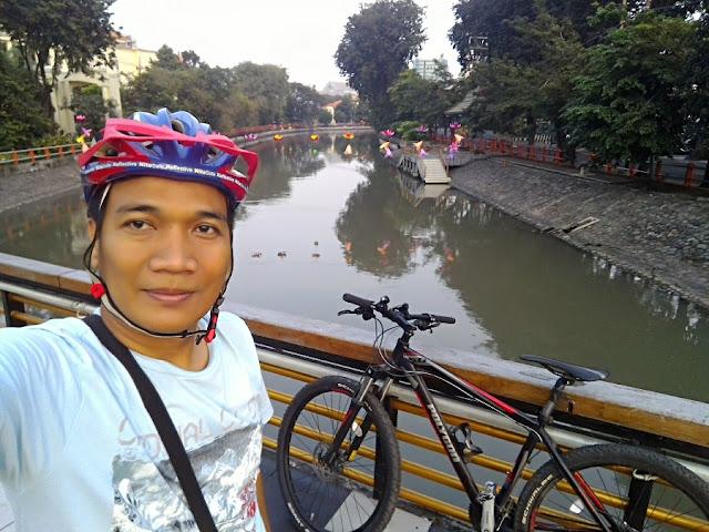 Kali yang bersih dan indah di tengah Kota Surabaya.
