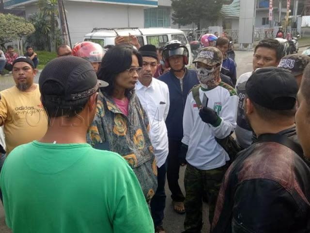 Ormas Bukittinggi Gagalkan Aksi Demo Diduga Paham Komunis