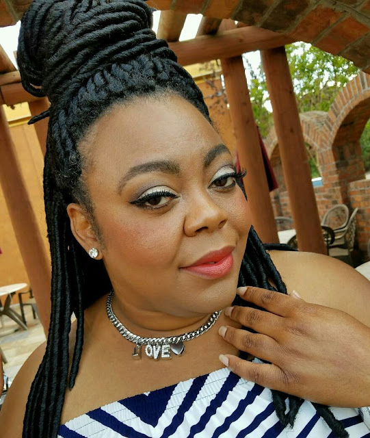 curvy blogger, protective style, MAC cosmetics, charmed choker, red lip