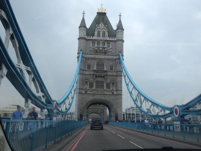 En coche de alquiler por Londres