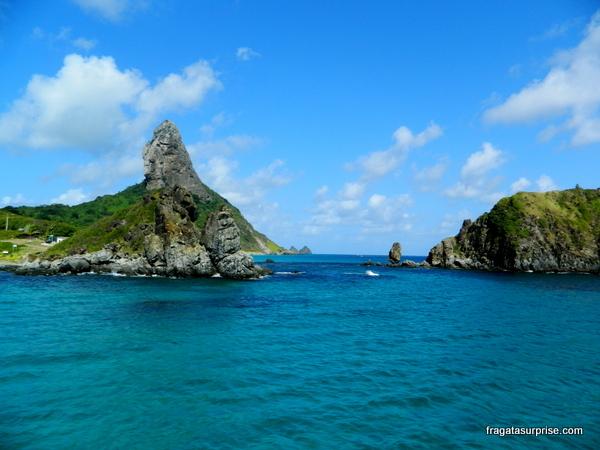 Passeio de barco pelo Mar de Dentro, Morro do Pico, Fernando de Noronha