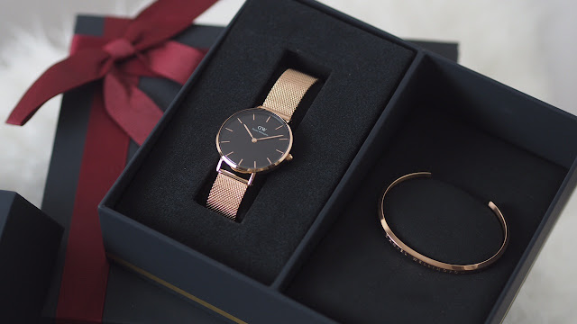 rose gold daniel wellington watch and bangle set