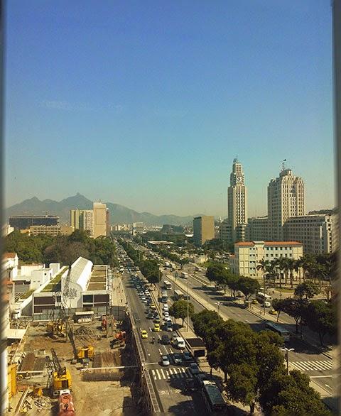 Relogio da Central Uma manhã de trabalho com vista do Rio de Janeiro