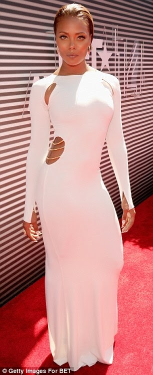 article 2674348 1F4097FD00000578 825 306x748 Red Carpet photos from 2014 BET Awards + Full List of Winners