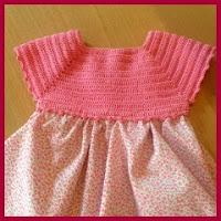 Vestido de tela y crochet