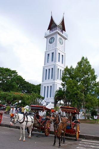 jam gadang keindahan indonesia