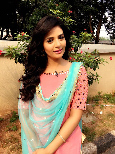 Sreemukhi Latest pics for Pataas Ladies Special