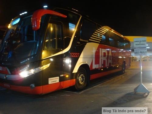 Ônibus da Lirabus no aeroporto de Viracopos