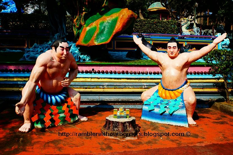 Sumo wrestlers, Haw Par Villa, Singapore