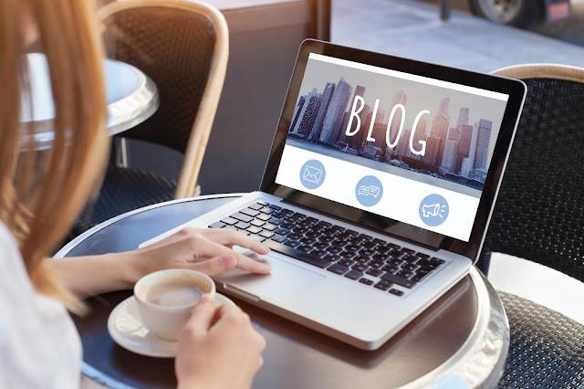 3. Menjadi blogger dan freelance writer
