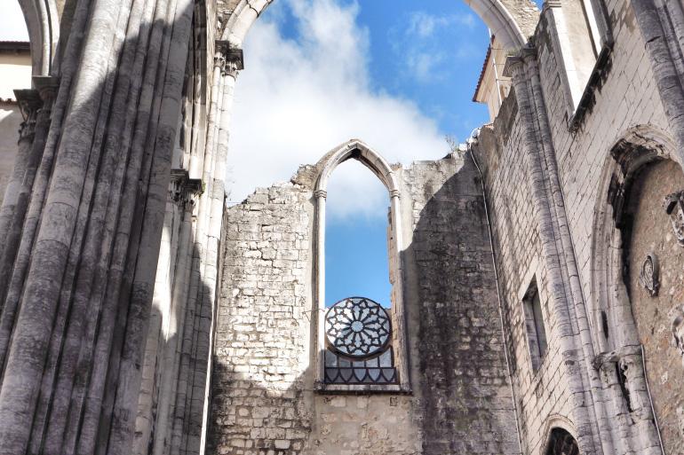 Visite du couvent des Carmes à Lisbonne au Portugal