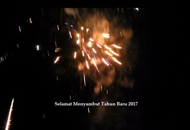 Video Suasana Malam Tahun Baru 2017 di Ciputat