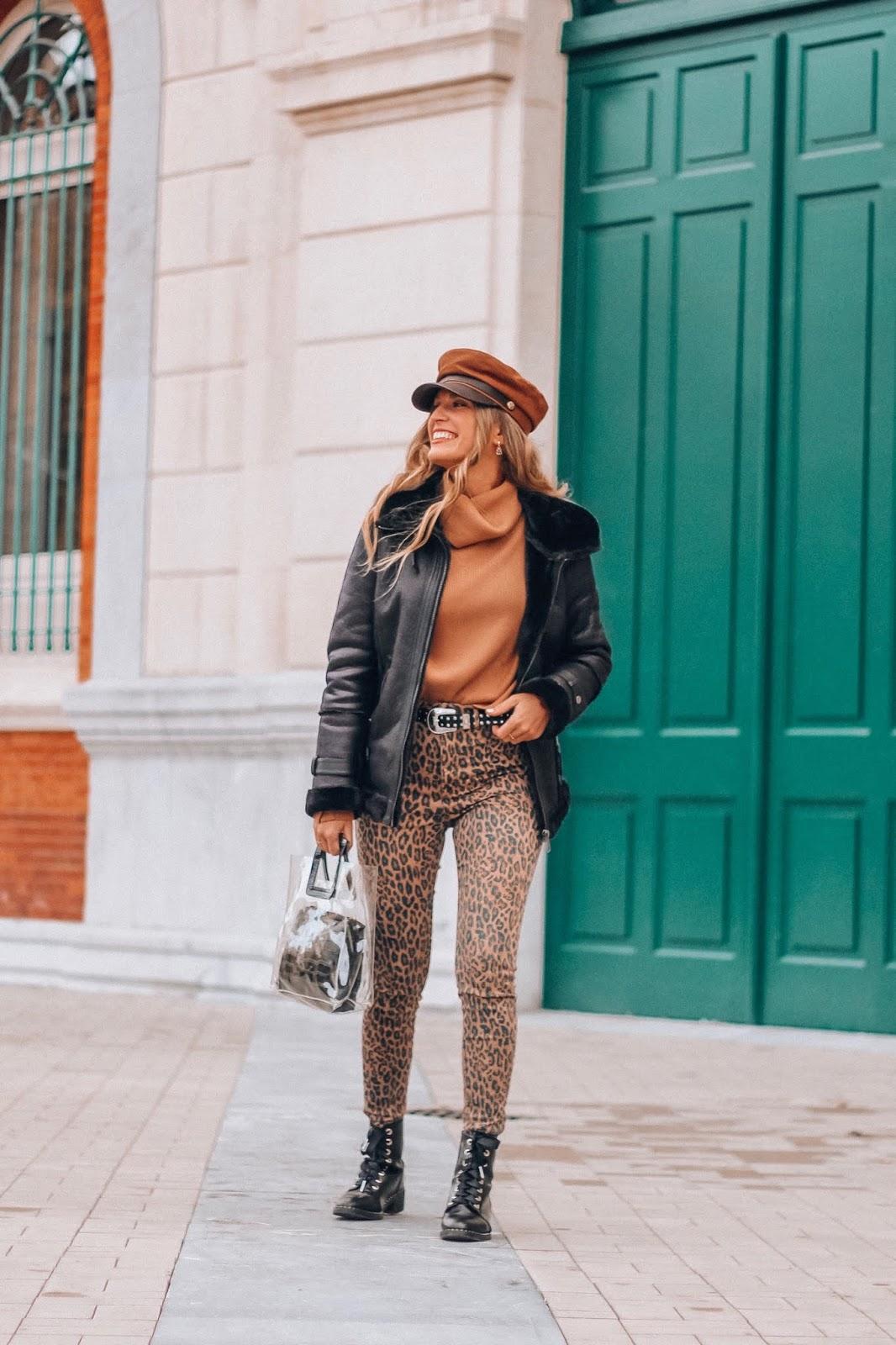 como combinar pantalón leopardo 2019