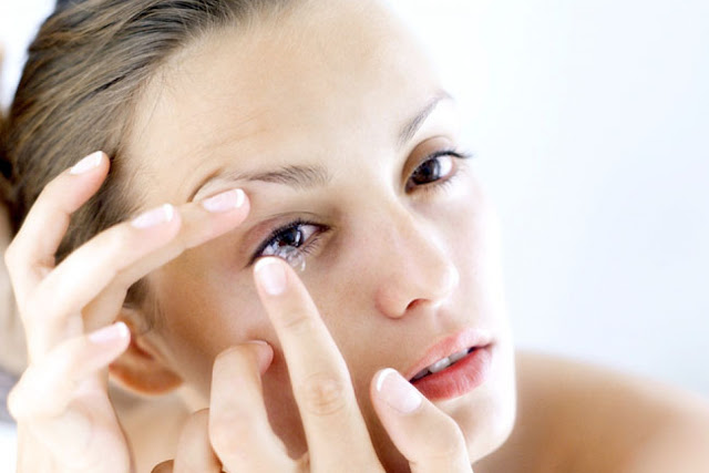 10 TIPS FOR CONTACT LENS WEARER