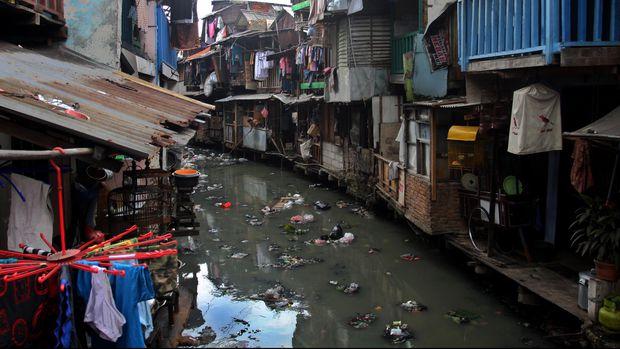 Kawasan kumuh ibu kota Jakarta. Ilustrasi kemiskinan. (ANTARA FOTO/Reno Esnir)