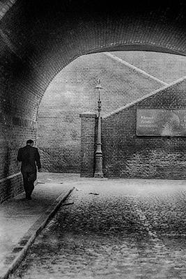 http://furtho.tumblr.com/post/157316214277/john-claridges-the-street-lamp-1968-via-here