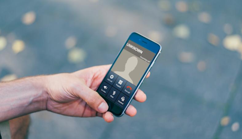 Cara Terbaru Mengubah Suara Saat Menelepon di Android