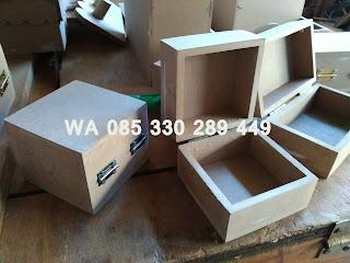 Contoh Kotak Box Kayu Perhiasan Decoupage