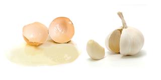 campuran bawang putih untuh mengobati jerawat