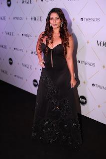 Charismatic Tanishaa Mukerji in Hardika Gulati for Vogue Beauty Awards