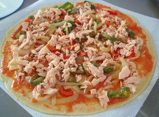 Elaboración de la pizza de bonito 3