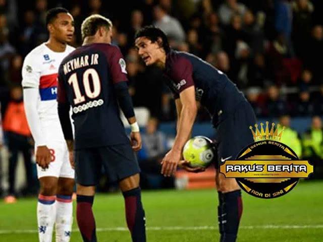 Rebutan Pinalti, Neymar Diminta Hargai Edinson Cavani
