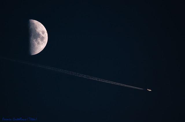 Luna y avión