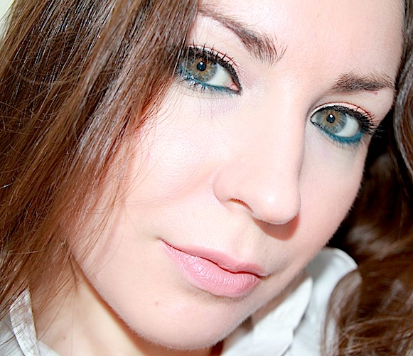 estee lauder collection Topaz crayon yeux kajal intense 03 dramatic teal test swatch maquillage