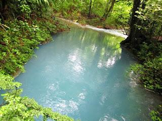 Rio Celeste en Costa Rica