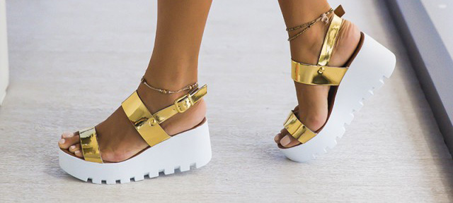 Platforme aurii online ieftine la moda cu talpa alba de vara
